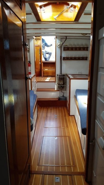 LA VIGIE below deck