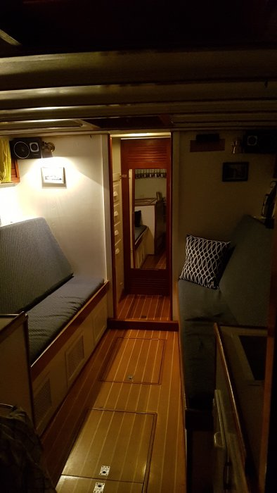 LA VIGIE, below deck