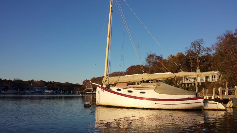 LAZY LUCY, 24' catboat designed by Fenwick C. Williams.