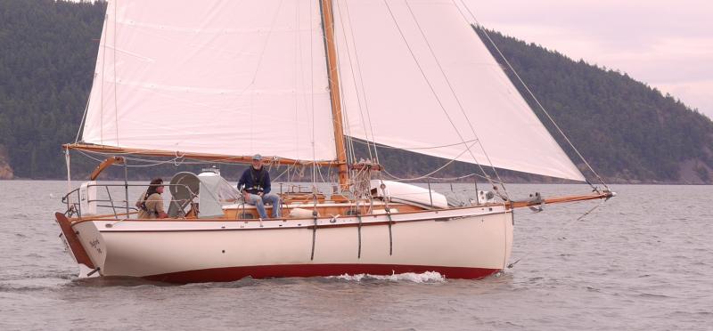 North Sea 29:' centerboard cruising cutter Beckon sailing the San Juan Islands