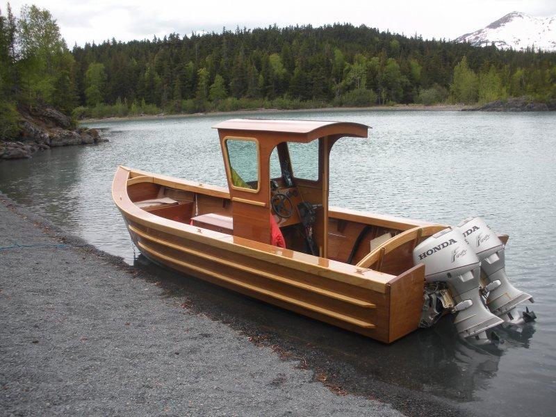 Semi-vee skiff