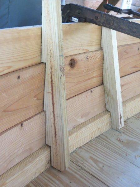Cedar planks, lapstrake hull. Transverse bottom planks.
