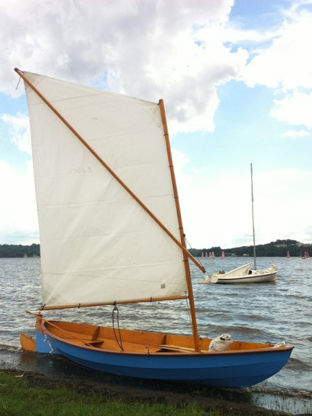 Luna a Skerry sailboat.