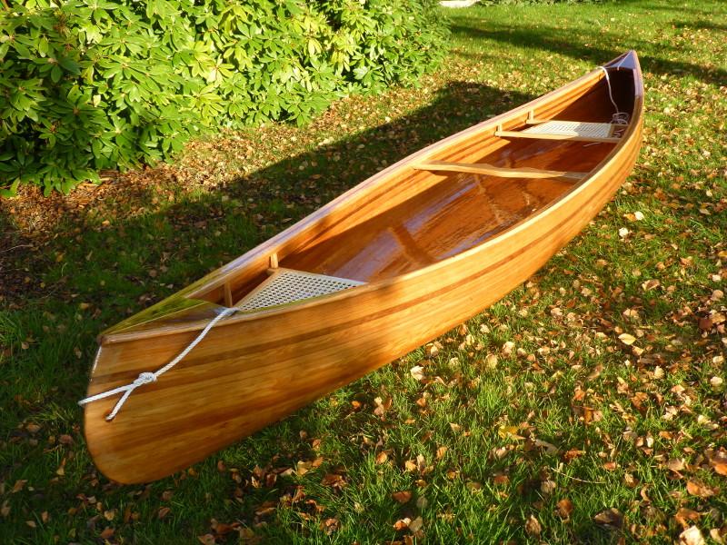 State portrait of Wabnaki canoe Houtje.