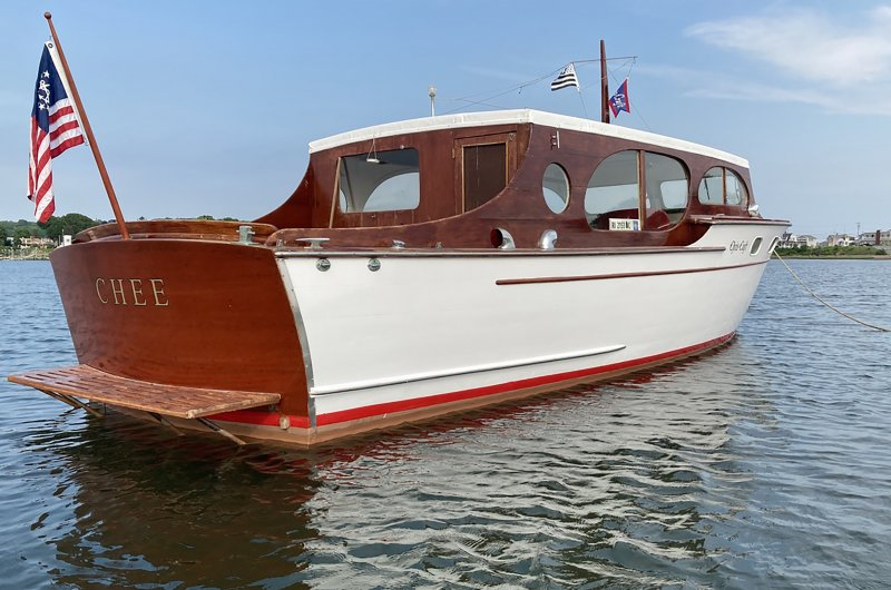 Chris-Craft Enclosed Cruiser
