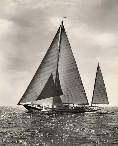 ESCAPADE © Mystic Seaport, Rosenfeld Collection
