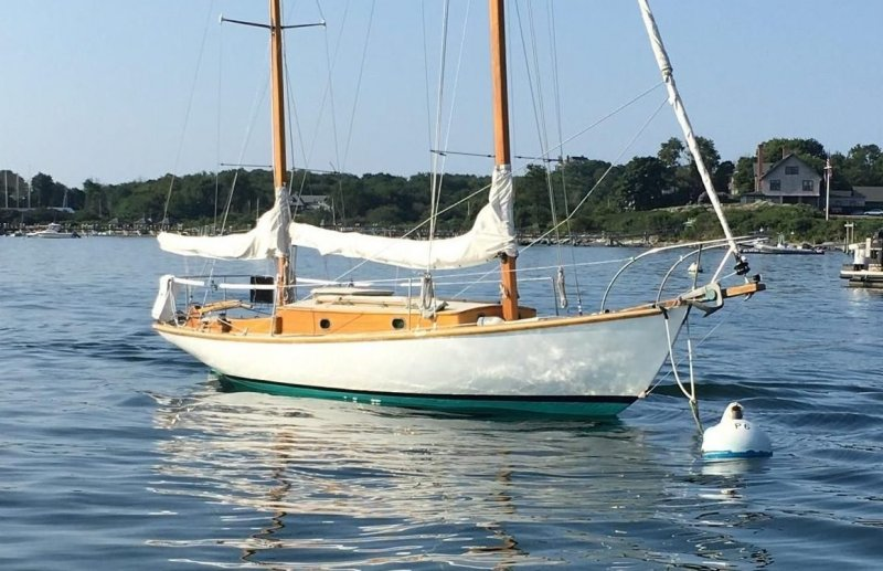 HOLIDAY is an L. Francis Herreshoff H-28.