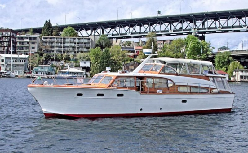 HOLIDAY IV, Chris-Craft Conqueror. Photo courtesy Classic Yacht Assn.