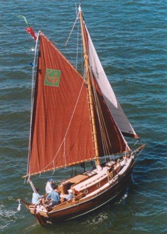 Austral: 29' wood/epoxy cruising cutter An Old Captivity