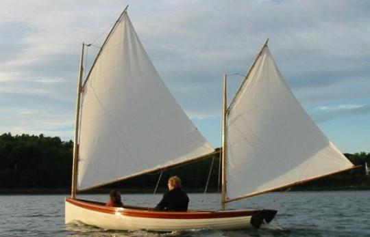 Coquina under sail