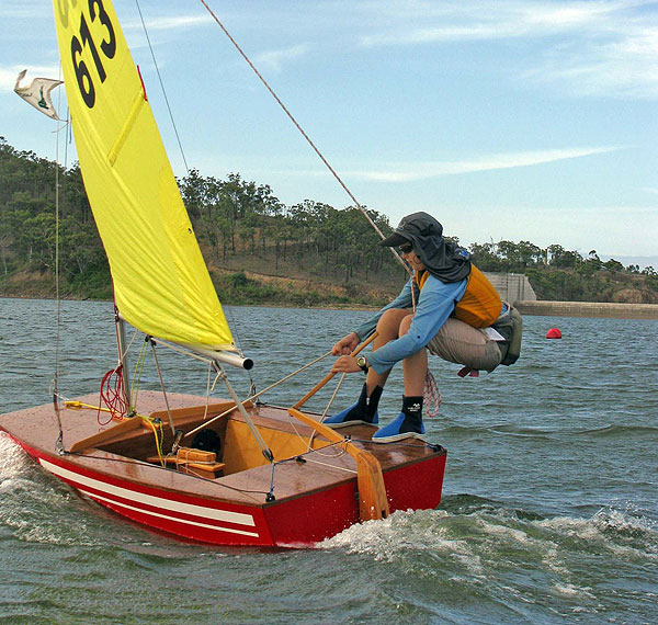 Small SailboatS: Types & Advantages