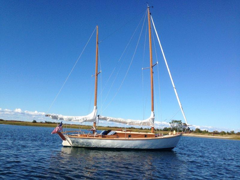 Holiday at anchor near Port Jefferson, NY