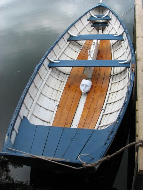 Whitehall - Merri-Lee ready to row - pre-restore 8/5/2012