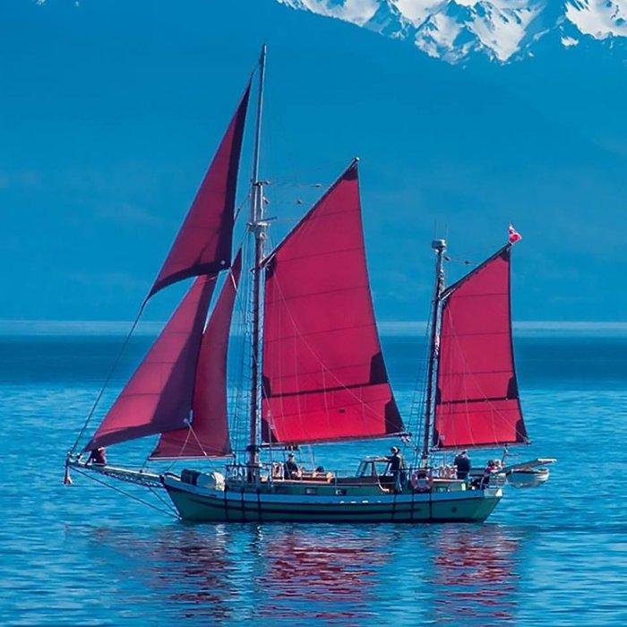 Sailing the Juan de Fuca