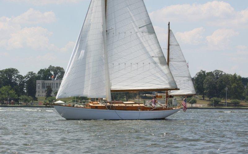Saxon off the Naval Academy. Photo by Tom Rogers.
