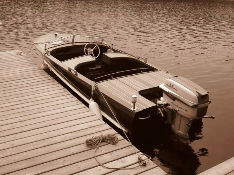 1956 Dunphy runabout