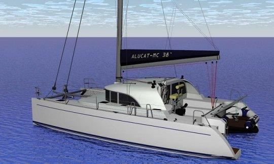 ALUCAT MC 38 STERN