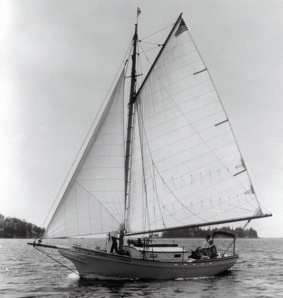 ETTA MAY sailing photo
