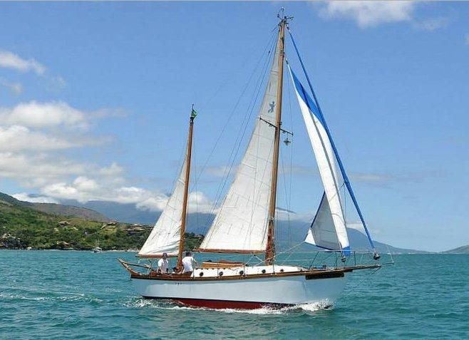 30ft sailing ketch BRUXA DO MAR