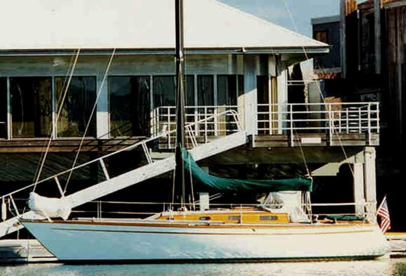 The sloop TOPAZ