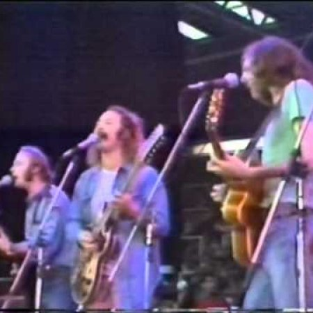 Crosby Stills Nash & Young - Wooden Ships (Live 1974)