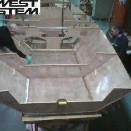 Time Lapse: i550 Sport Boat built with WEST SYSTEM Epoxy