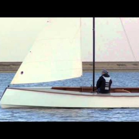 Universal Hull -- sailing in light breezes