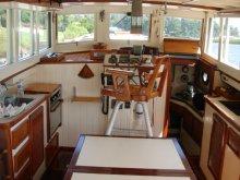 wooden boat Karen interior