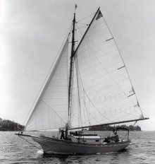 ETTA MAY sailing photo