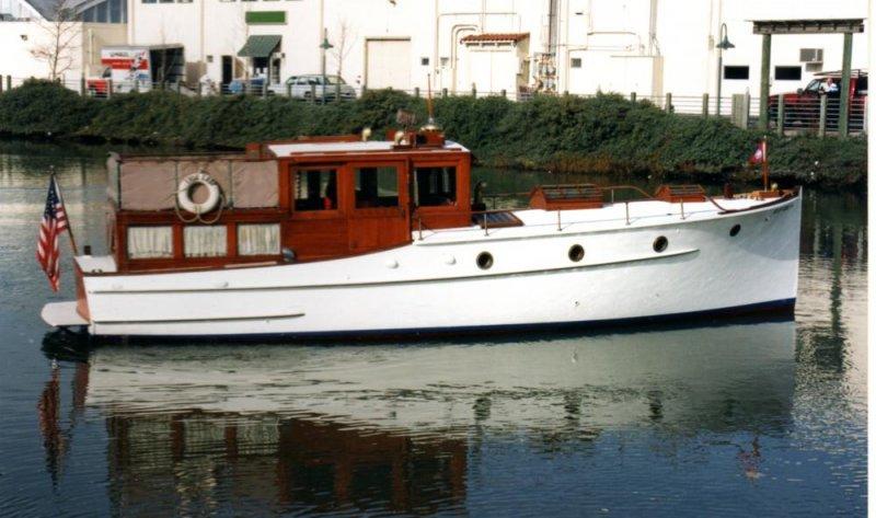 TULE LADY, a Dominic Labruzzi power cruiser.
