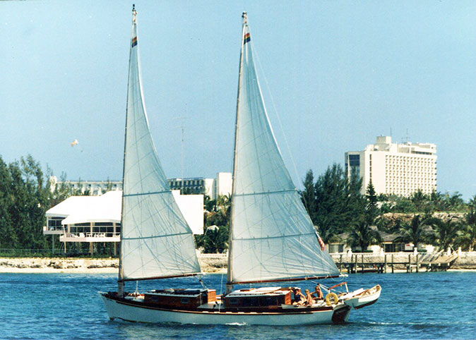 TERESA sailing in Nassau Harbor.