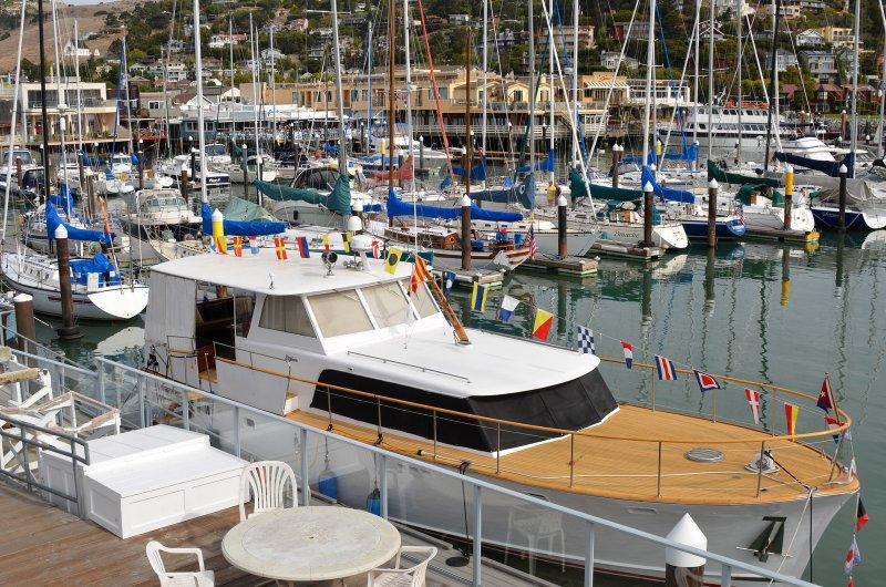 WHITE SWAN, a Stephens Bros. flush deck motoryacht.